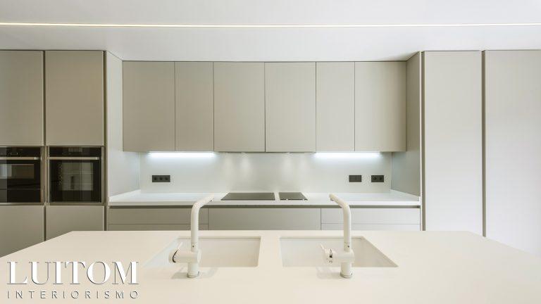 cocinas-modernas-exposición-tienda-showroom-modern-kitchen-madrid-diseno-mobiliario-ideas-02