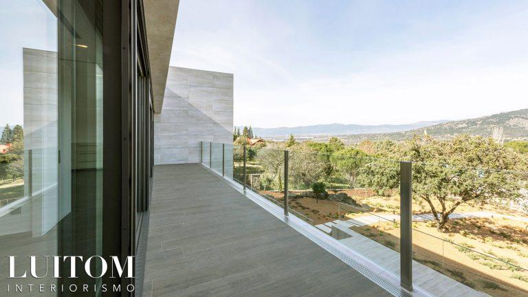 casas-modernas-lujo-villas-arquitectos-madrid-singular-modern-home-project-architect-proyecto-arquitectura-03