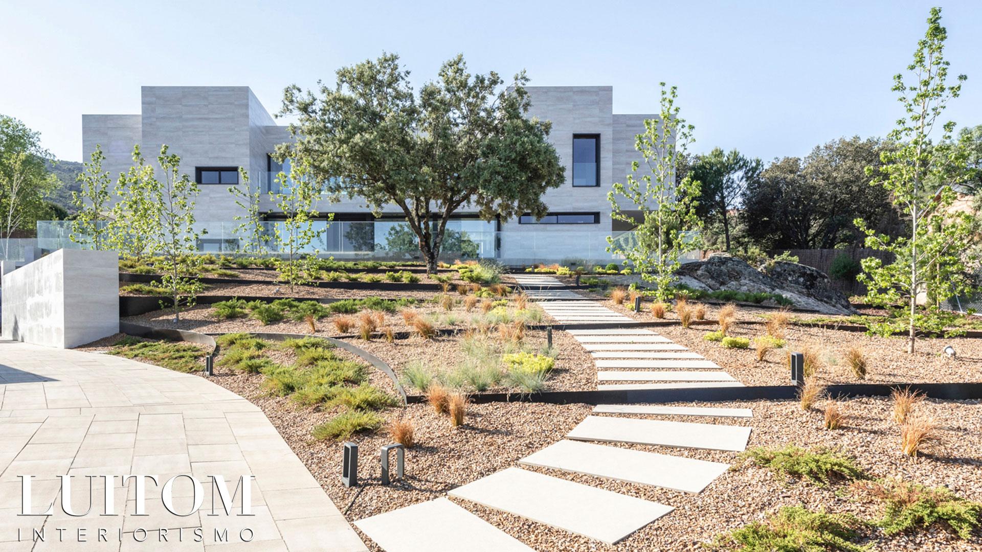 proyecto-arquitectura-construccion-casas-modernas-villas-lujo-madrid-malaga-valencia-arquitectos-luxury-house-spain-architects-017