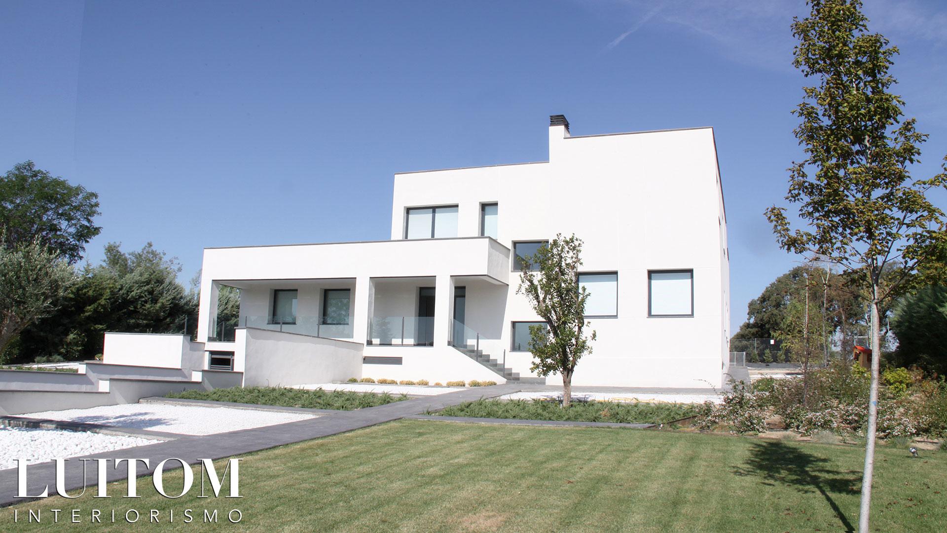 proyecto-arquitectura-construccion-casas-modernas-villas-lujo-madrid-malaga-valencia-arquitectos-luxury-house-spain-architects-002