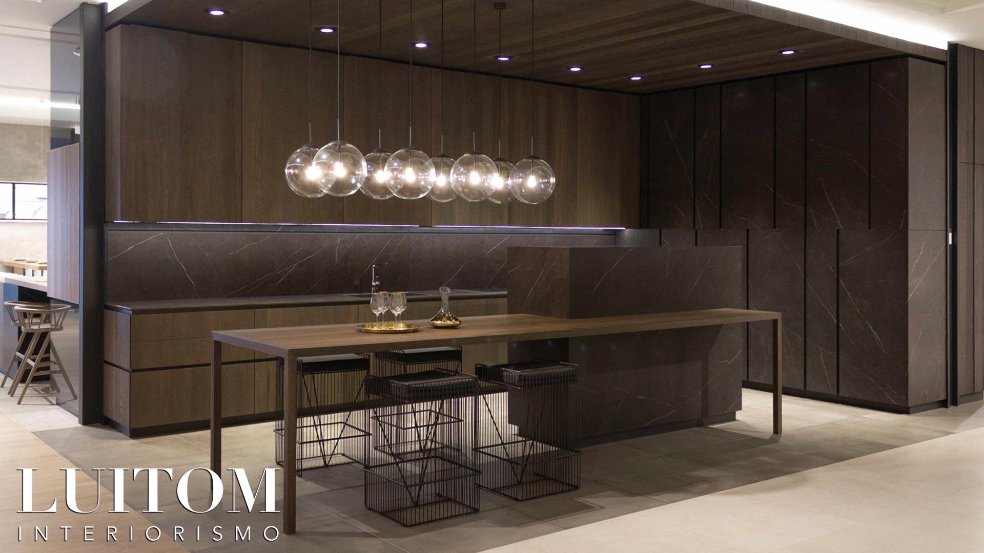 muebles-cocina-exclusivos-acabado-porcelanico-gres-madera-gran-formato-cocinas-lujo-madrid